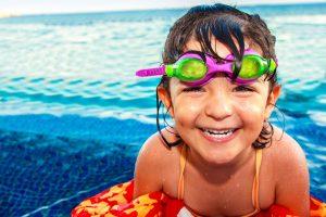 Kinderbetreuung Karlsruhe bietet Schwimmkurse an