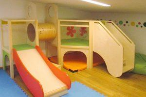 Kita Karlsruhe hat ein neues Spielhaus für den Gruppenraum