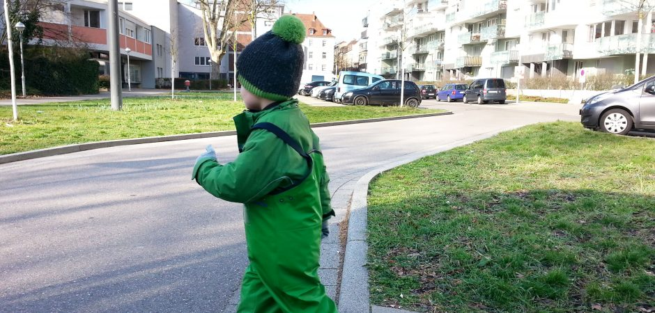 Kita Rabennest aus Karlsruhe lehrt Verkehrsregeln