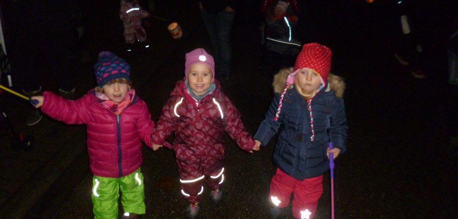 Kinder der Kita Grashüpfer beim Lichterfestlauf