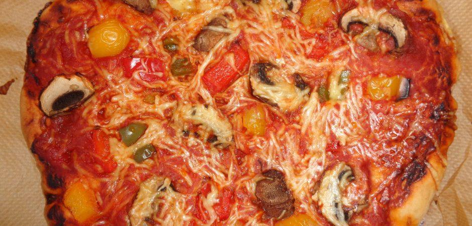 fertige selbstgemachte Pizza