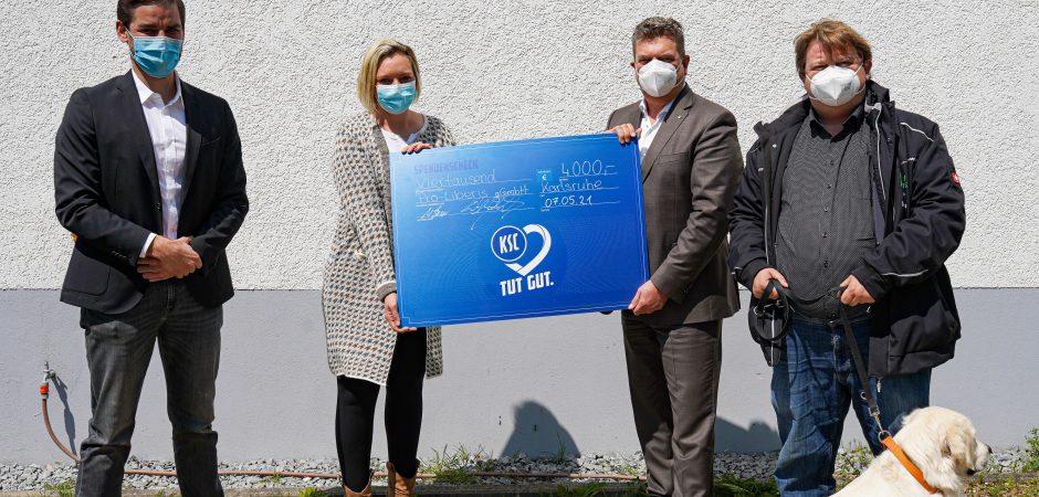 Peer Giemsch und Daniela Helfert nehmen Förderpreis des KSC entgegen